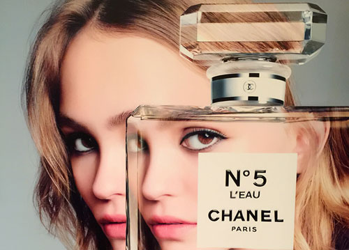 香奈儿五号香水 是一种全新的诠释