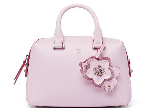 全球奢侈品牌MCM推出樱花系列手袋