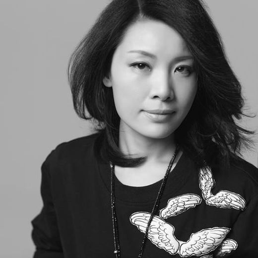 专访吕爱华:注重对人本身的关爱