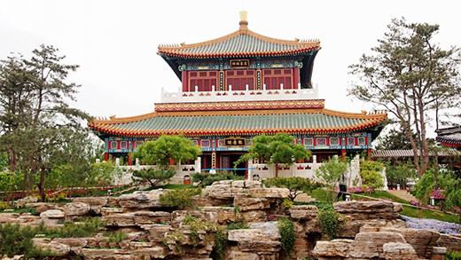 以科技创新擎起建筑之美——记中国建筑设计大师刘熠