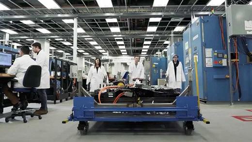 HUMMER EV展示新品牌LOGO 采用螃蟹造型设计