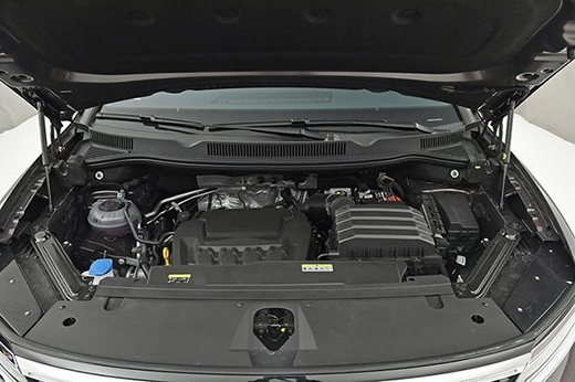 揽境采用大众品牌最新的尖端SUV设计语言